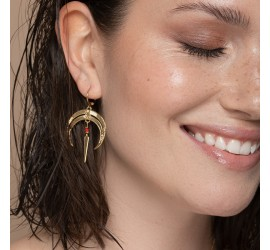 boucles d'oreilles pendantes lune et pierre rouge NOMADE